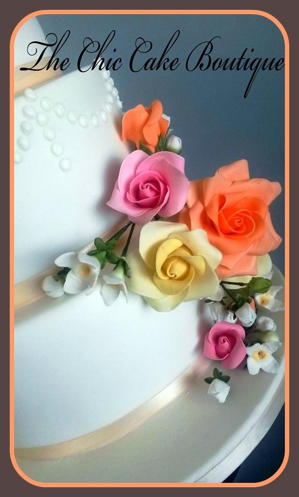 mary-ryan-roses-on-cake
