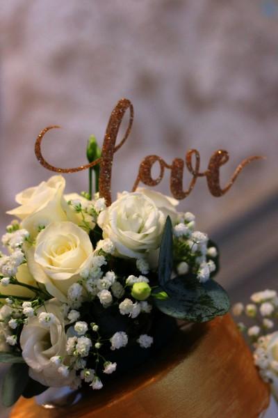 fresh flower wedding cake topper