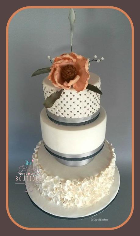 silver-blue-w-cake