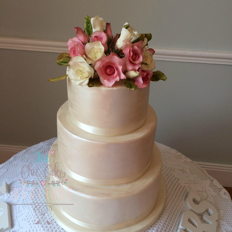 u-clifford-cake-with-logo