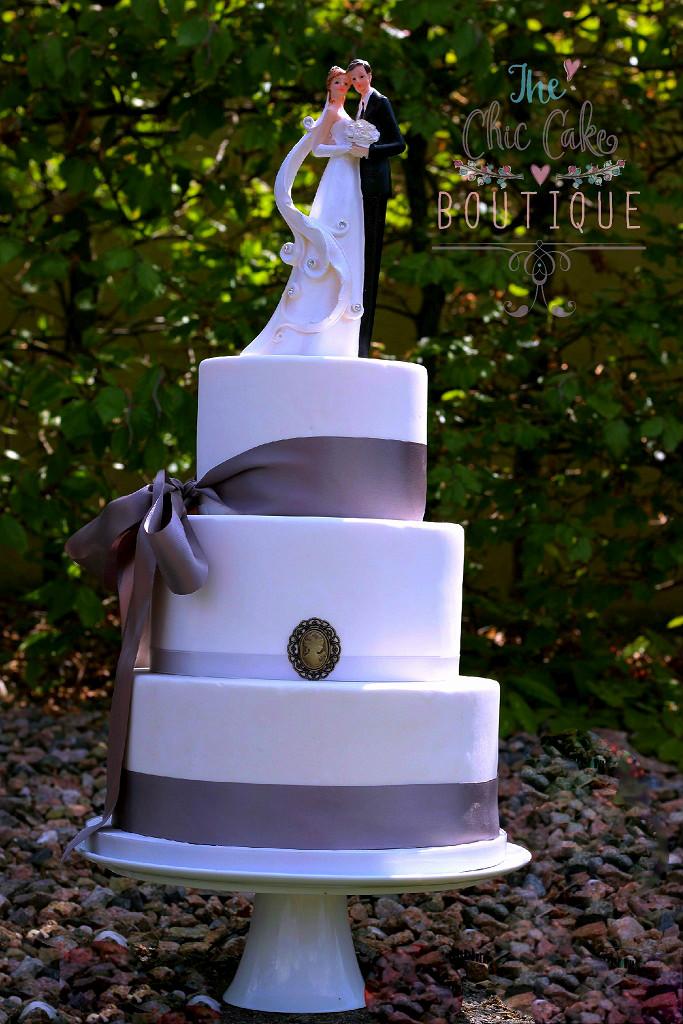 white-wedding-cake-with-logoedited