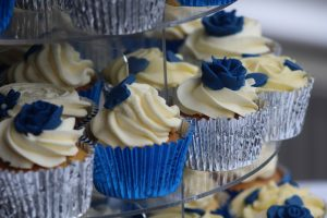 wedding blue and silver cup cakes