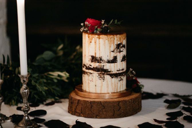 Semi naked extended height wedding cake