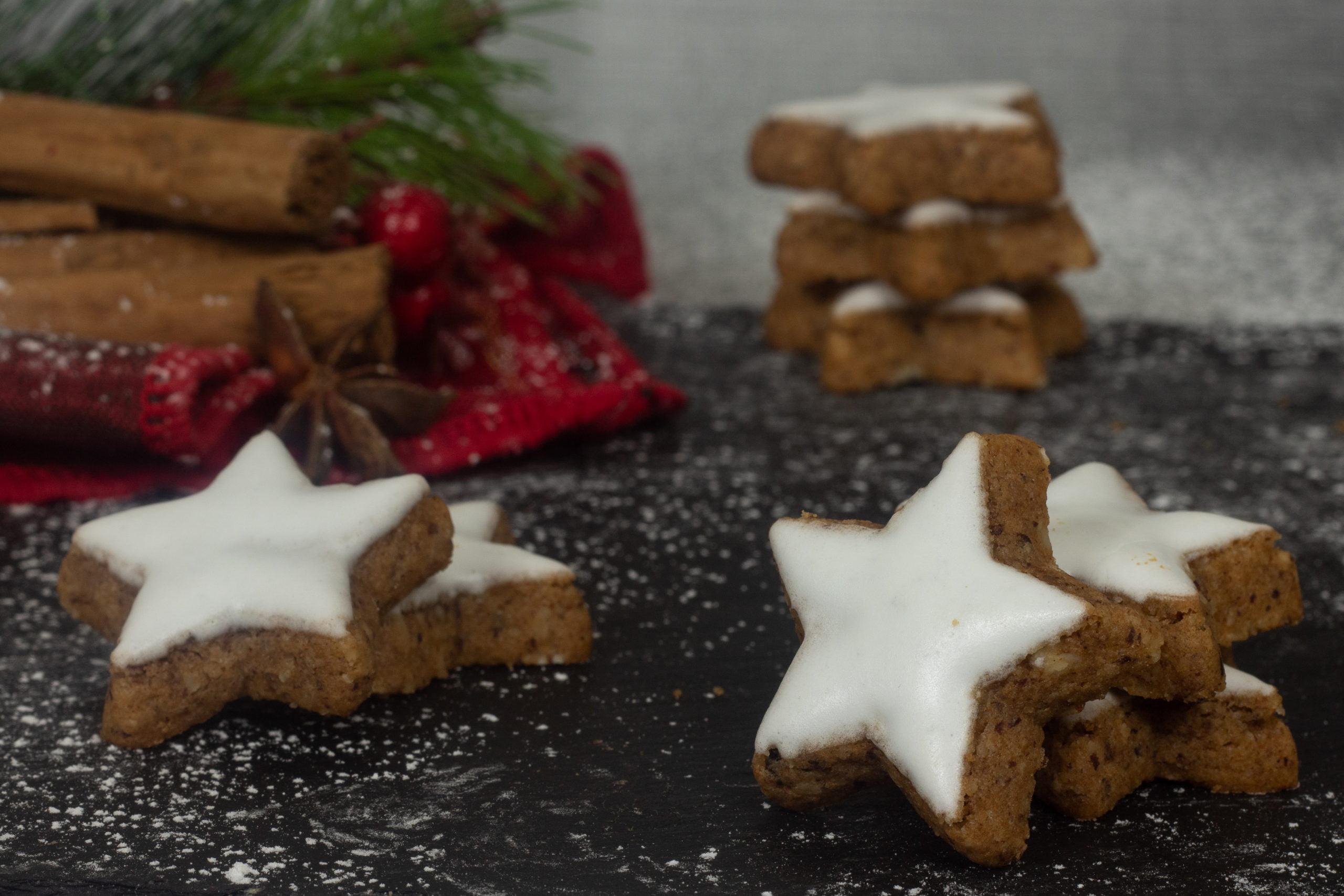 Cinnamon Iced Cookies